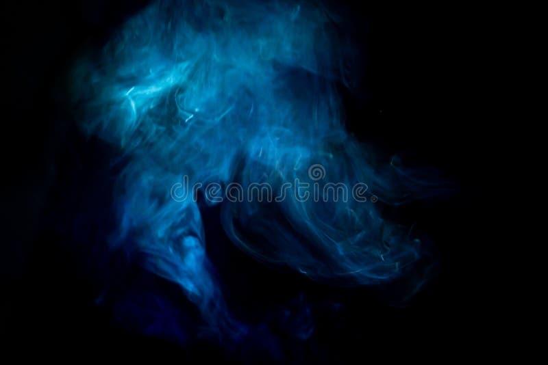 Gör suddig abstrakt texturbakgrund för blå rök royaltyfria bilder