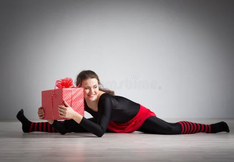 göra flickagymnastik royaltyfria bilder
