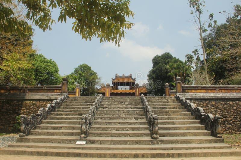 Göra till kung gravvalvet för Gia Long ` s, grundaren av Nguyen Dynasty, tonen, Vietnam royaltyfria bilder