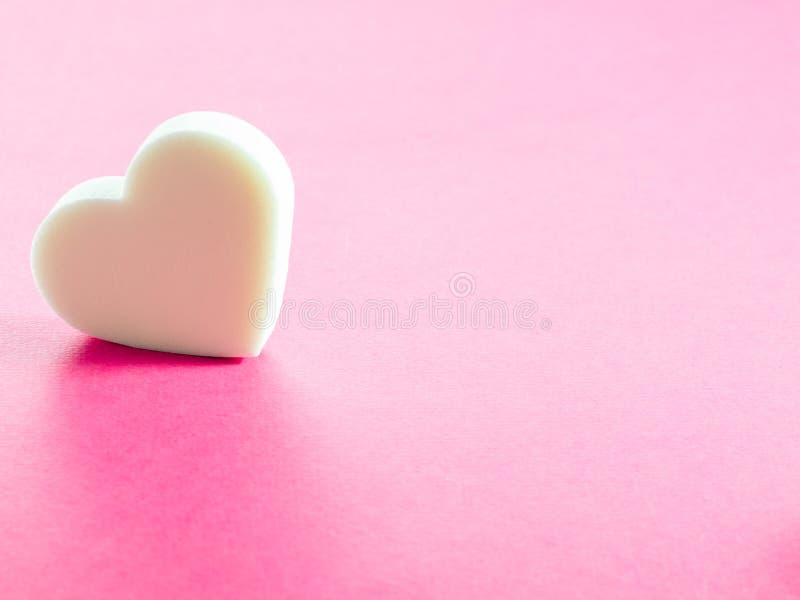 Gąbka w kształcie serce zdjęcia stock