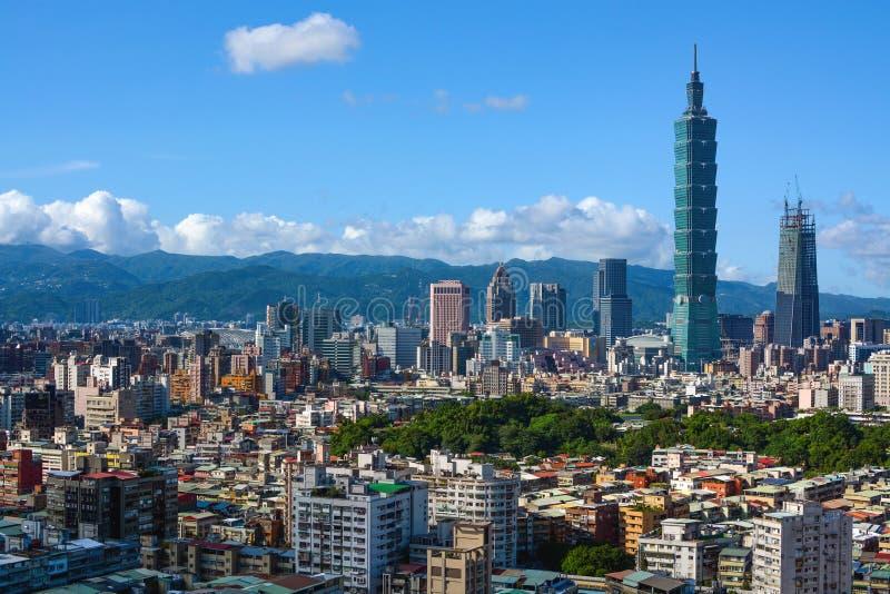 Gęsto ludnościowy miasta linia horyzontu Taipei, kapitał Tajwan fotografia royalty free
