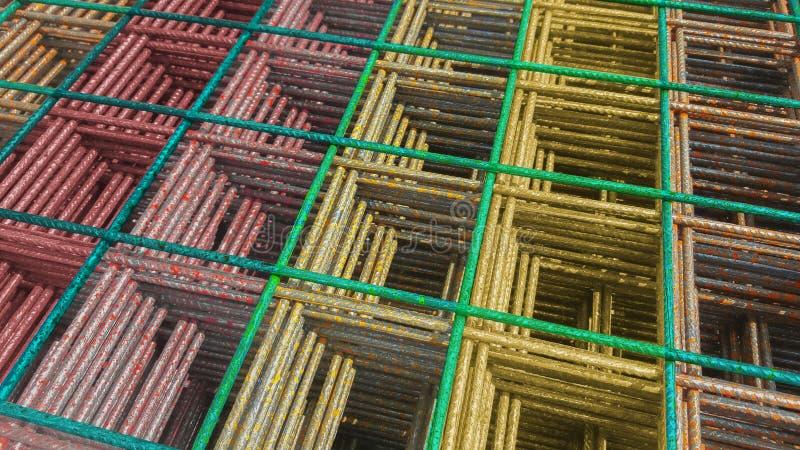 Gęsty drut w warstwach Depeszujący wzór w kolorze fotografia stock
