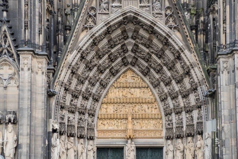 Główne wejście brama Koloński kopuła kościół katolicki w Kolońskim Niemcy fotografia royalty free