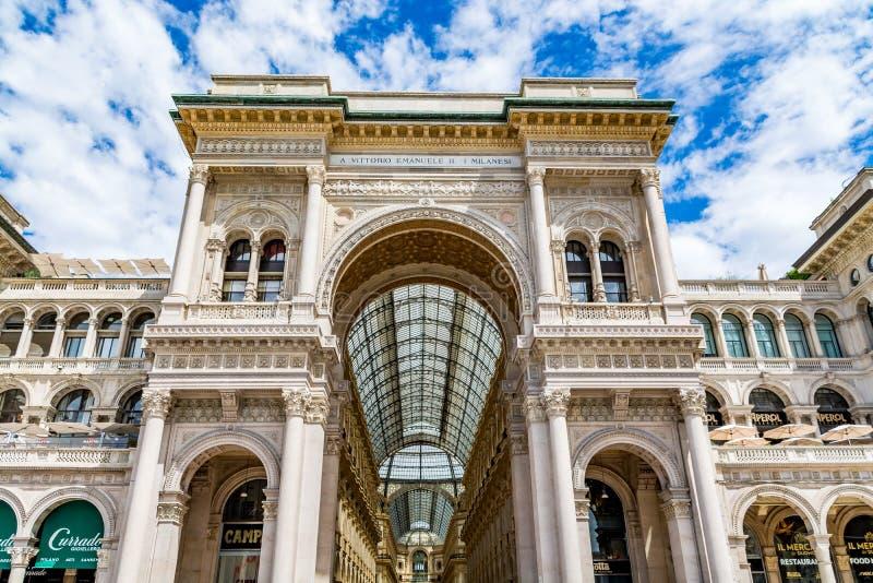 Główne wejście galeria zwycięzca Emmanuel II obrazy royalty free