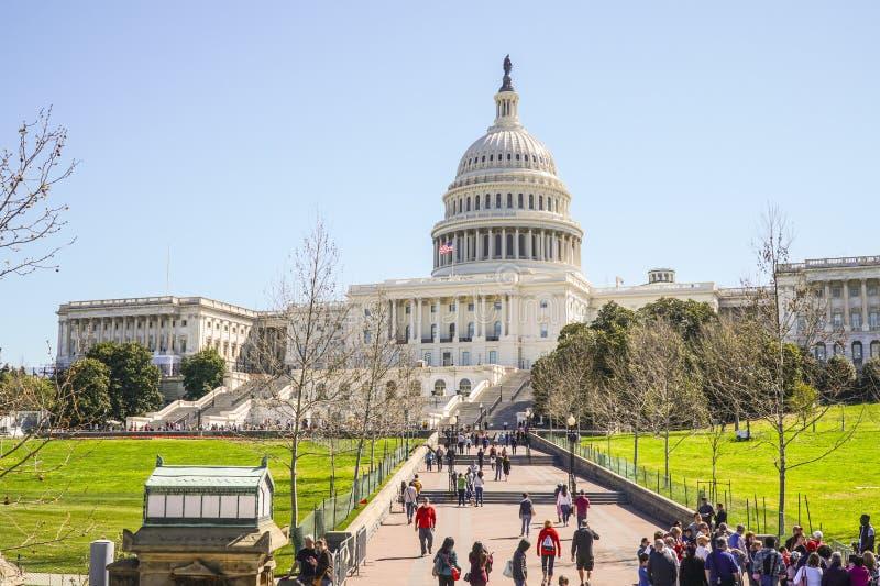 Główni przyciągania w washington dc 7, 2017 - USA Capitol - washington dc KOLUMBIA, KWIECIEŃ - fotografia stock