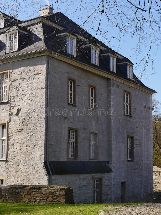 Główny budynek kasztel na wiekach średnich, gipsujący gruz Tutaj południowy skrzydło Pięknie wznawiający zdjęcia royalty free