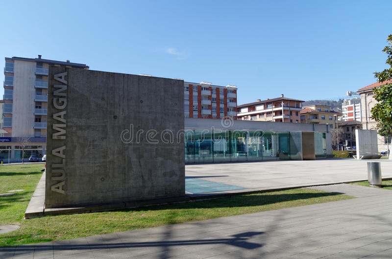 Główny odczytowej sala uniwersytecki wejście USI, Universita della Svizzera italiana w Lugano, Szwajcaria zdjęcia stock