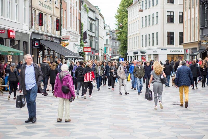 Główny zakupy uliczny Stroget w Kopenhaga, Dani obraz royalty free