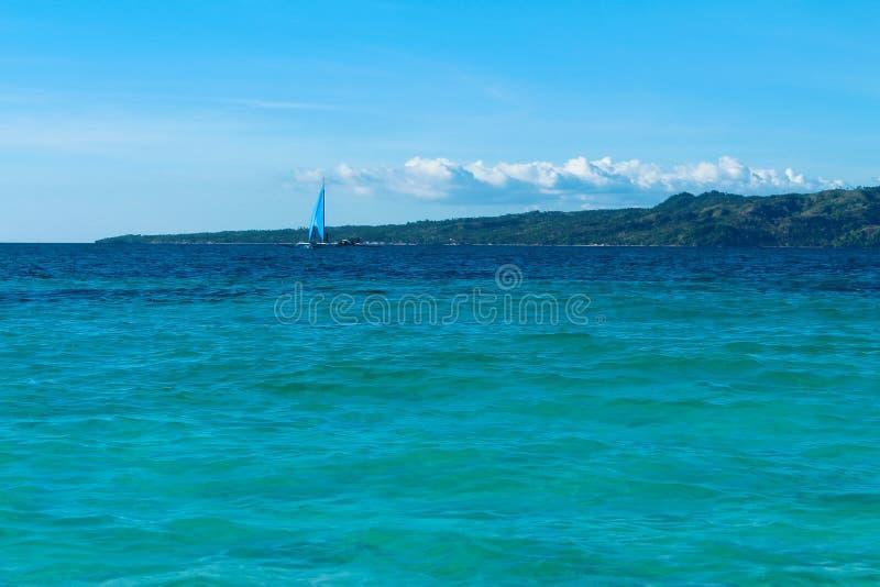 Głąbik i żeglowanie łódź obrazy stock