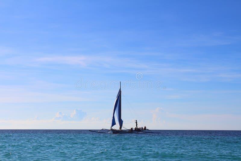 Głąbik z żeglowanie łodzią obraz stock