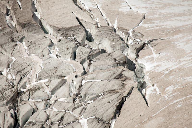 Głębocy lodowów crevasses na Mont Blanc, włoszczyzny strona zdjęcia royalty free