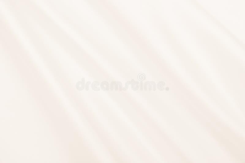 Gładka elegancka złota jedwabiu lub atłasu luksusowa sukienna tekstura jako ślubny tło Luksusowy tło projekt W sepiowy stonowanym obraz stock