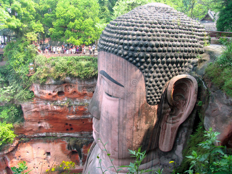 Głowa Gigantyczny Siedzący Buddha w Leshan, prowincja sichuan, Chiny obraz stock