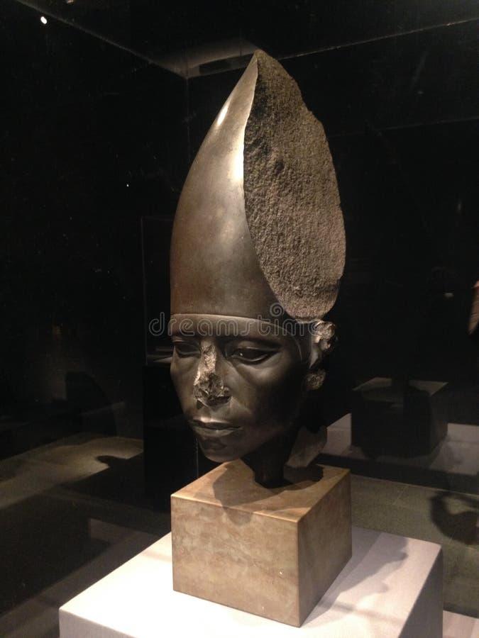 Głowa Jest ubranym Białą koronę przy Wielkomiejskim muzeum sztuki statua Amenemhat III obrazy stock