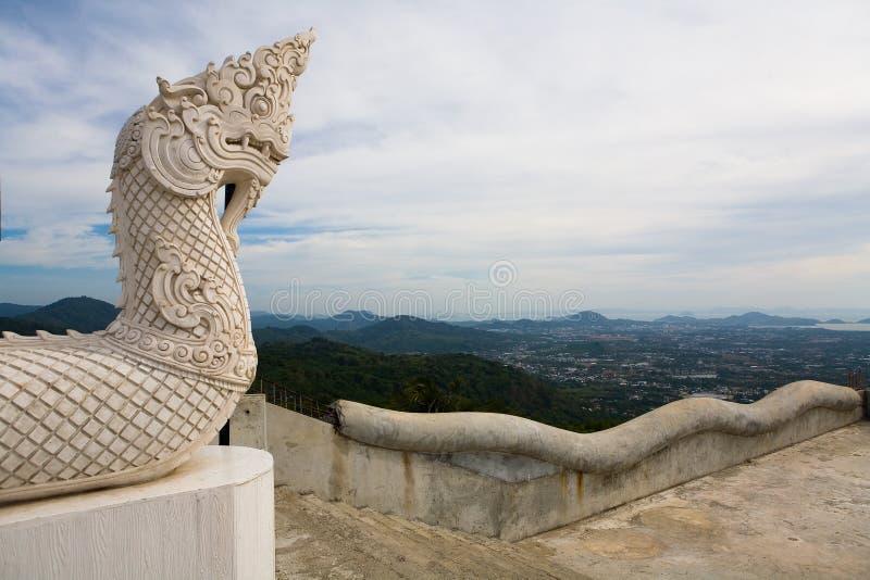 Głowa smok przed wejściem świątynia Duży Buddha w Phuket wyspie fotografia stock