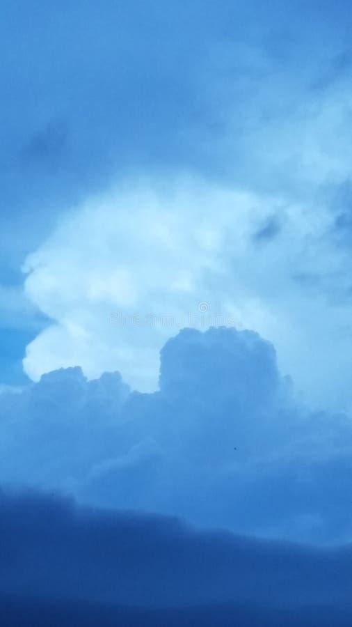 Głowa w chmurach fotografia stock