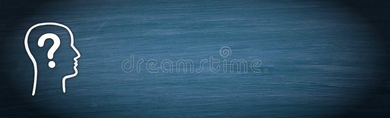 Głowa z znakiem zapytania na błękitnym chalkboard tle ilustracja wektor