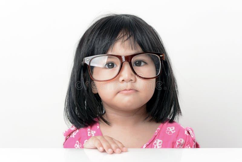 Głupek małej dziewczynki portret zdjęcia stock