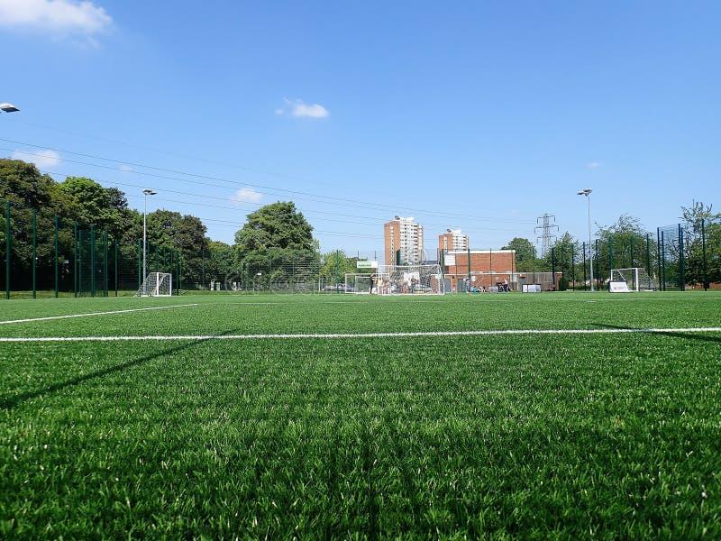3G τεχνητή πίσσα χλόης, κοινοτικό κέντρο του Μέριντεν, Watford στοκ φωτογραφίες