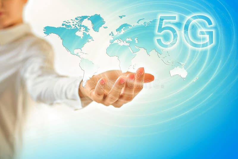 5G het mobiele draadloze concept van k Internet Kaart van handen Beste Inte royalty-vrije illustratie