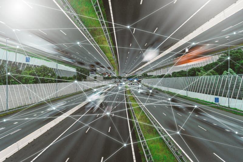 5G, IOT, red de comunicaciones inalámbrica, transporte, carretera foto de archivo libre de regalías