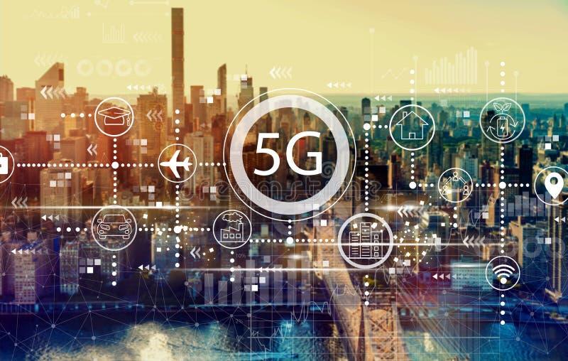 5G-nätverk med New York City royaltyfria bilder