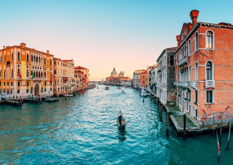 Gôndola no canal grande em Veneza fotos de stock royalty free