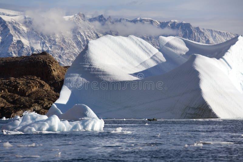 G?ra lodowa w Scoresbysund w wschodnim Greenland obraz royalty free