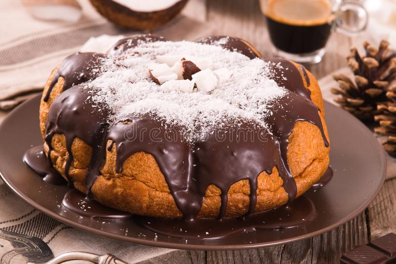 G?teau de noix de coco de chocolat photos libres de droits