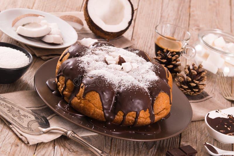 G?teau de noix de coco de chocolat images libres de droits
