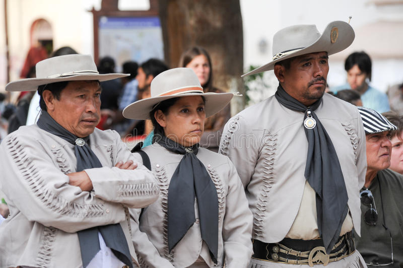 Gaúchos no festival tradicional em Purmamarca, província Jujuy foto de stock
