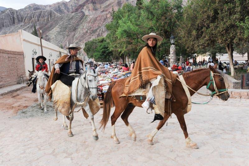 Gaúchos no festival tradicional em Purmamarca, província Jujuy imagem de stock