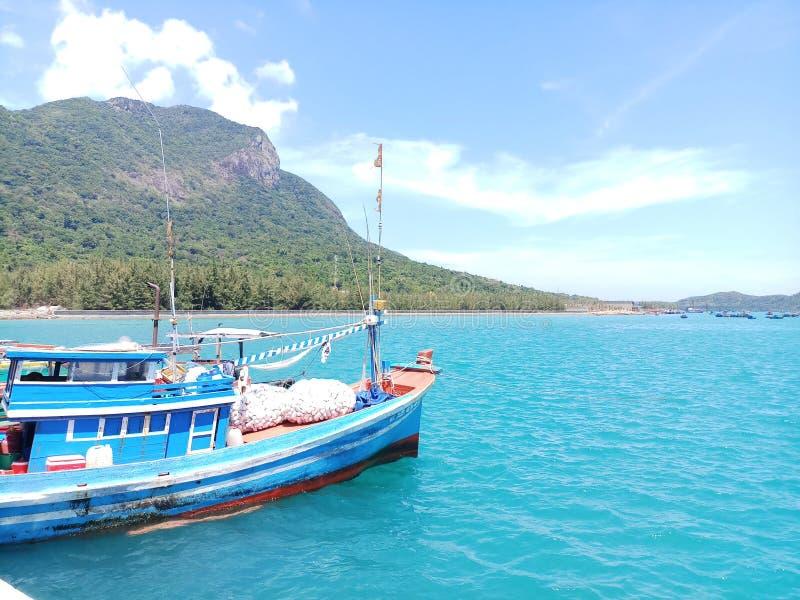 Ga echt van het de aardstrand van het reislandschap het eilandfoto royalty-vrije stock foto's