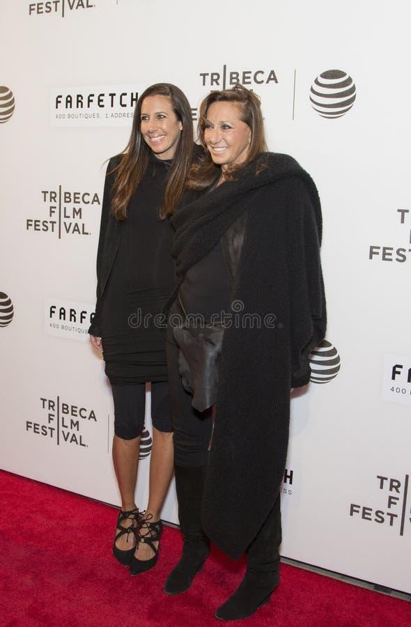 Gabby Karan De费利斯和母亲唐娜Karan 免版税库存图片