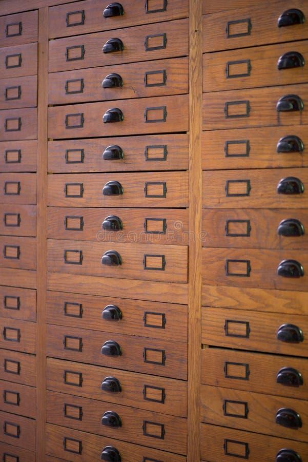 Gabinete de fichero del vintage imagenes de archivo