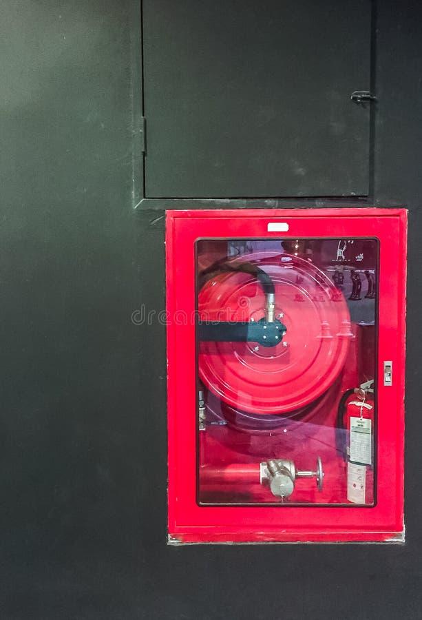 Gabinete del extintor fotos de archivo