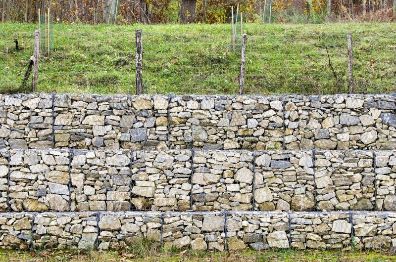 Gabion de mur de sout nement image stock image 47098113 - Mur soutenement gabion ...