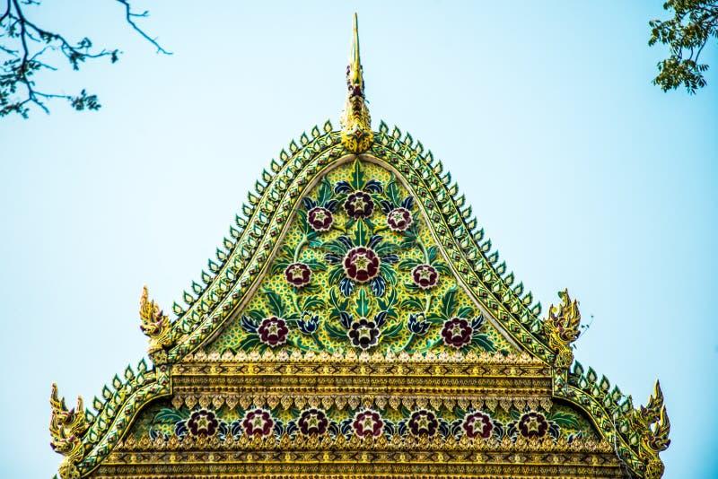 Gable Cathedral Wat Chalerm Phrakait thailand lizenzfreie stockfotografie