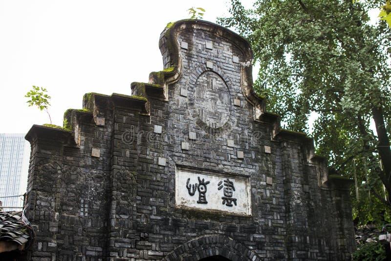Gable Wall de l'avant d'un vieux bâtiment en Grey Bricks images libres de droits