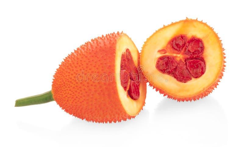 Gac果子、婴孩波罗蜜、多刺的苦涩金瓜、甜Grourd或者Cochinchin金瓜在白色背景 免版税库存图片