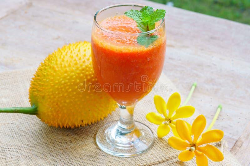 Gac-Fruchtsaft stockfotografie