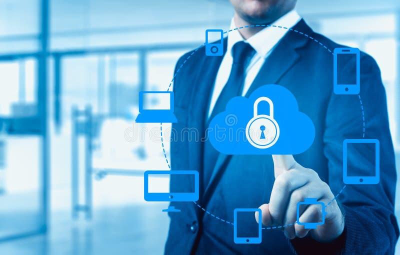 Gacenie dane obłoczny ewidencyjny pojęcie Ochrona i bezpieczeństwo obłoczni dane fotografia stock