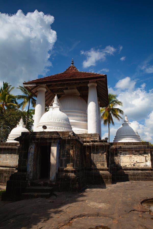 Gadaladenyia Vihara is een oude Boeddhistische tempel, Sri Lanka royalty-vrije stock afbeeldingen