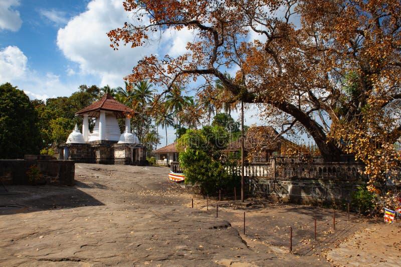 Gadaladenyia Vihara is een oude Boeddhistische tempel, Sri Lanka royalty-vrije stock foto