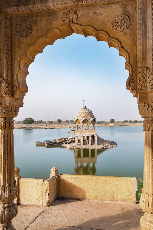 Gadisar湖在Jaisalmer,拉贾斯坦,印度的早晨 库存照片