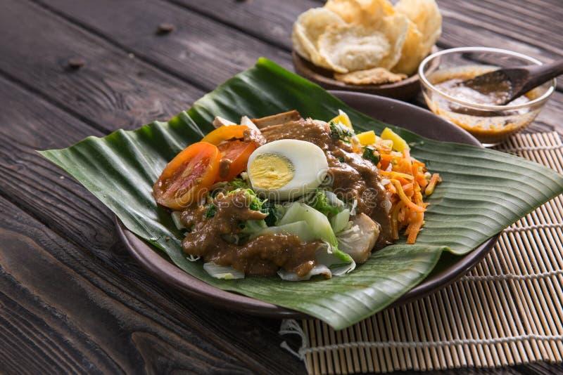 Gado-Gado Παραδοσιακά ινδονησιακά τρόφιμα στοκ φωτογραφία