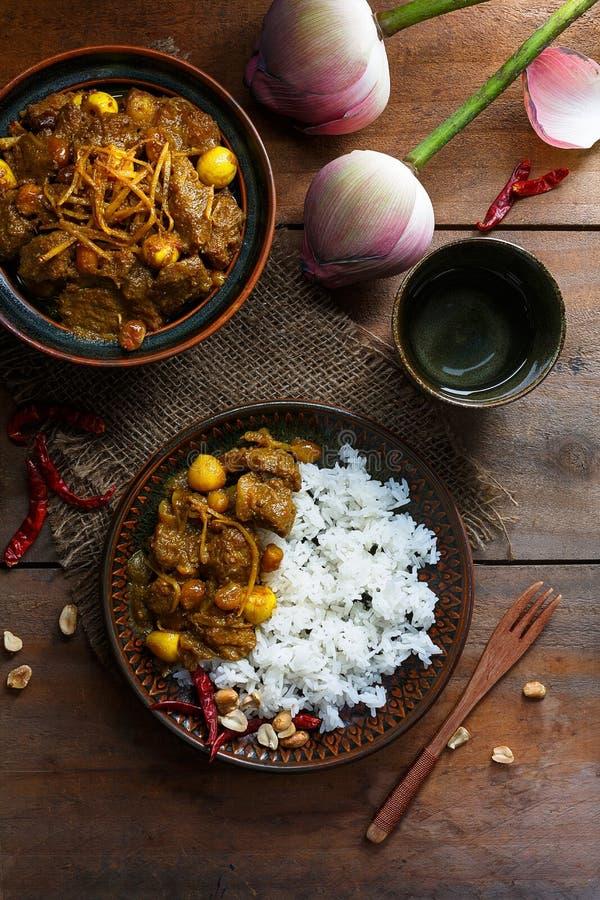 Gaeng Hang Lay Thai Curry Alimento tailandês - fritada #6 do Stir imagens de stock