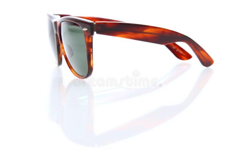 Gafas de sol con una reflexión. foto de archivo