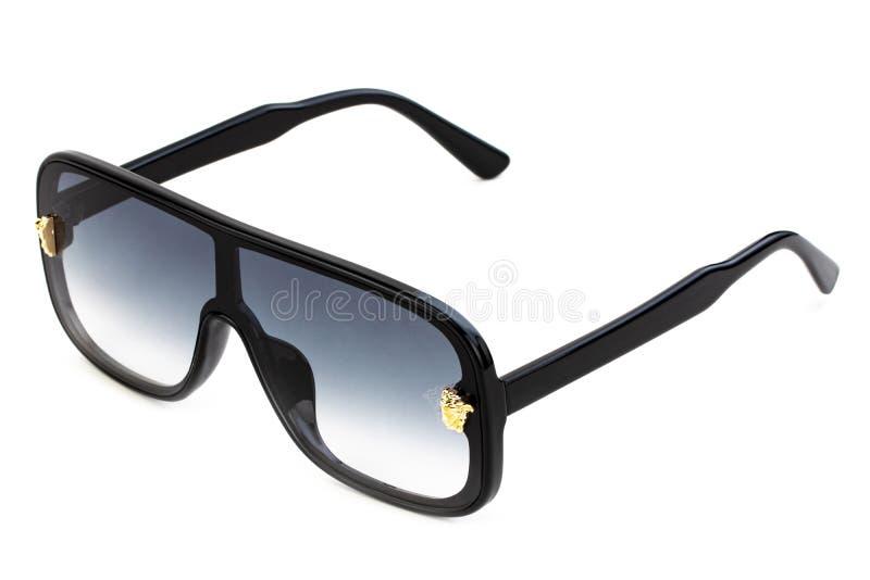 Gafas de sol frescas aisladas en el fondo blanco Con la trayectoria de recortes foto de archivo