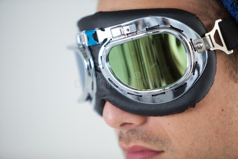Gafas del aviador del hombre que llevan fotos de archivo libres de regalías